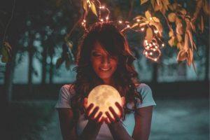 Luna y aceites esenciales